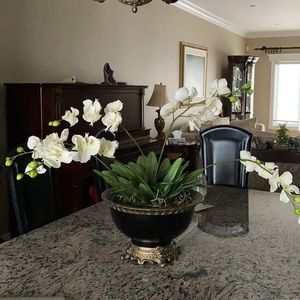 Faux flower pot